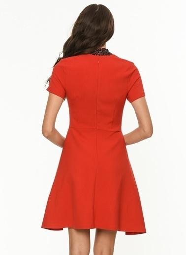 Yakası Taşlı Kloş Elbise-Jus De Pommes